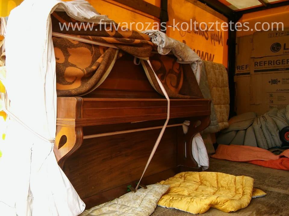 Pianínó szállítás Szentendrén